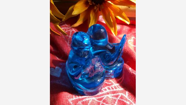 home-treasures.com - Glass Bluebirds Figurine - Rear View
