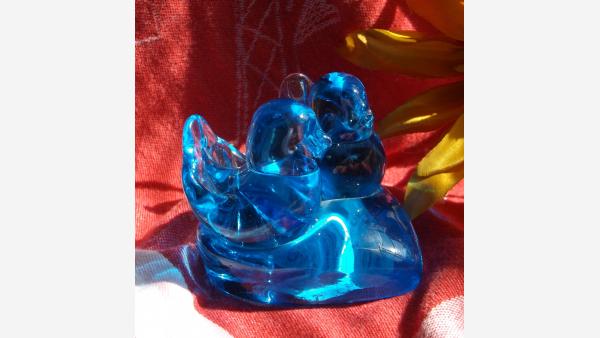 home-treasures.com - Glass Bluebirds Figurine - Side View