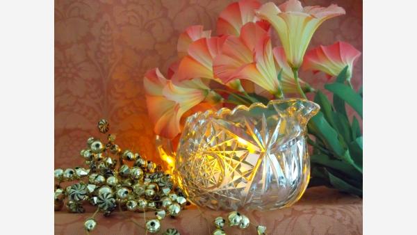 home-treasures.com - Elegant Cut-Crystal Creamer - Free Shipping!