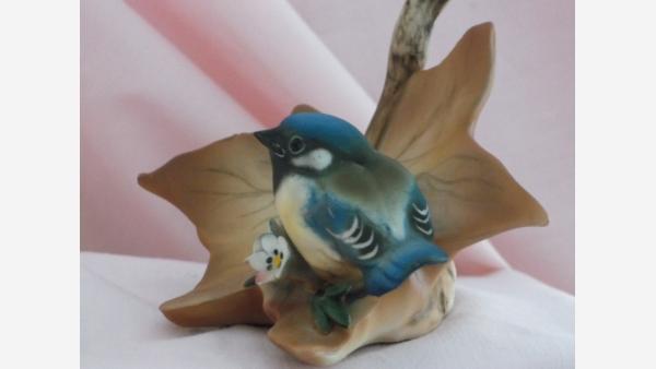 Capodimonte Bisque Bluebird Autumn Leaf Figurine