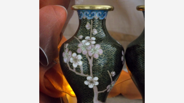 home-treasures.com - Pair Cloisonne Oriental Vases - Free Shipping!