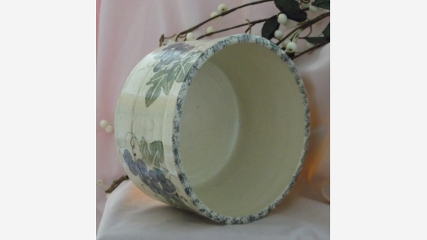 Cottage-style Country Crock - Grapevine Design