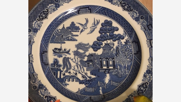 """home-treasures.com - English """"Willow"""" Dinner Plates - Set of 6 - Free Shipping!"""
