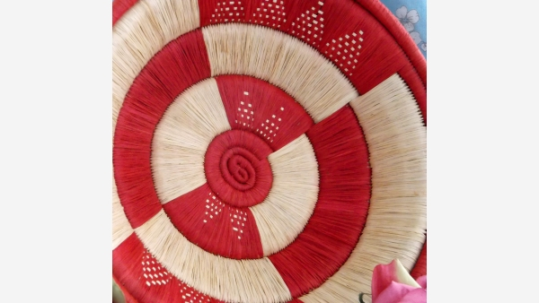 home-treasures.com - Artisan Red/Cream Basket - Free Shipping!