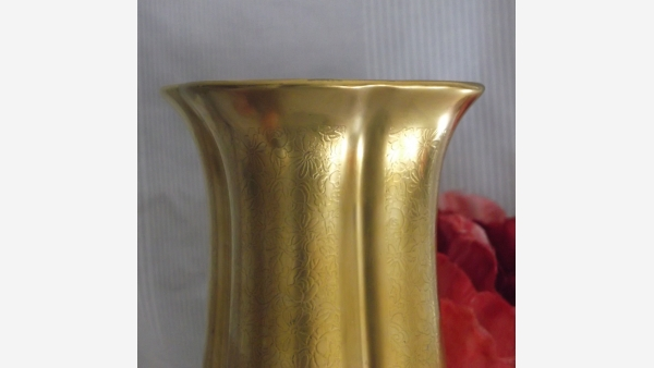 home-treasures.com - Pickard Vtg. Gold-Coated Vase - Free Shipping!