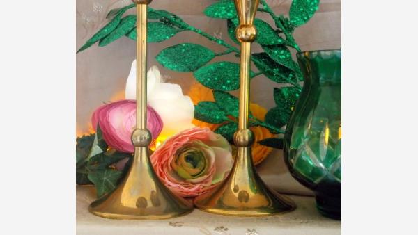 home-treasures.com - Czech Glass Votive and Brass Candlesticks