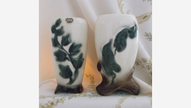 Retro Ivy-Vine Vases - Sold as a Pair