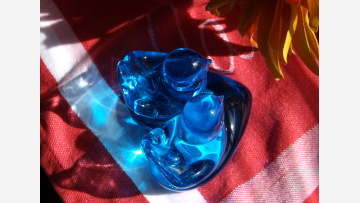 """Glass """"Bluebirds of Happiness"""" - On a Heart-shaped Base - A Lovely Gift!"""