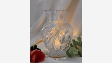Crystal Cabinet Vase --- Free Shipping!